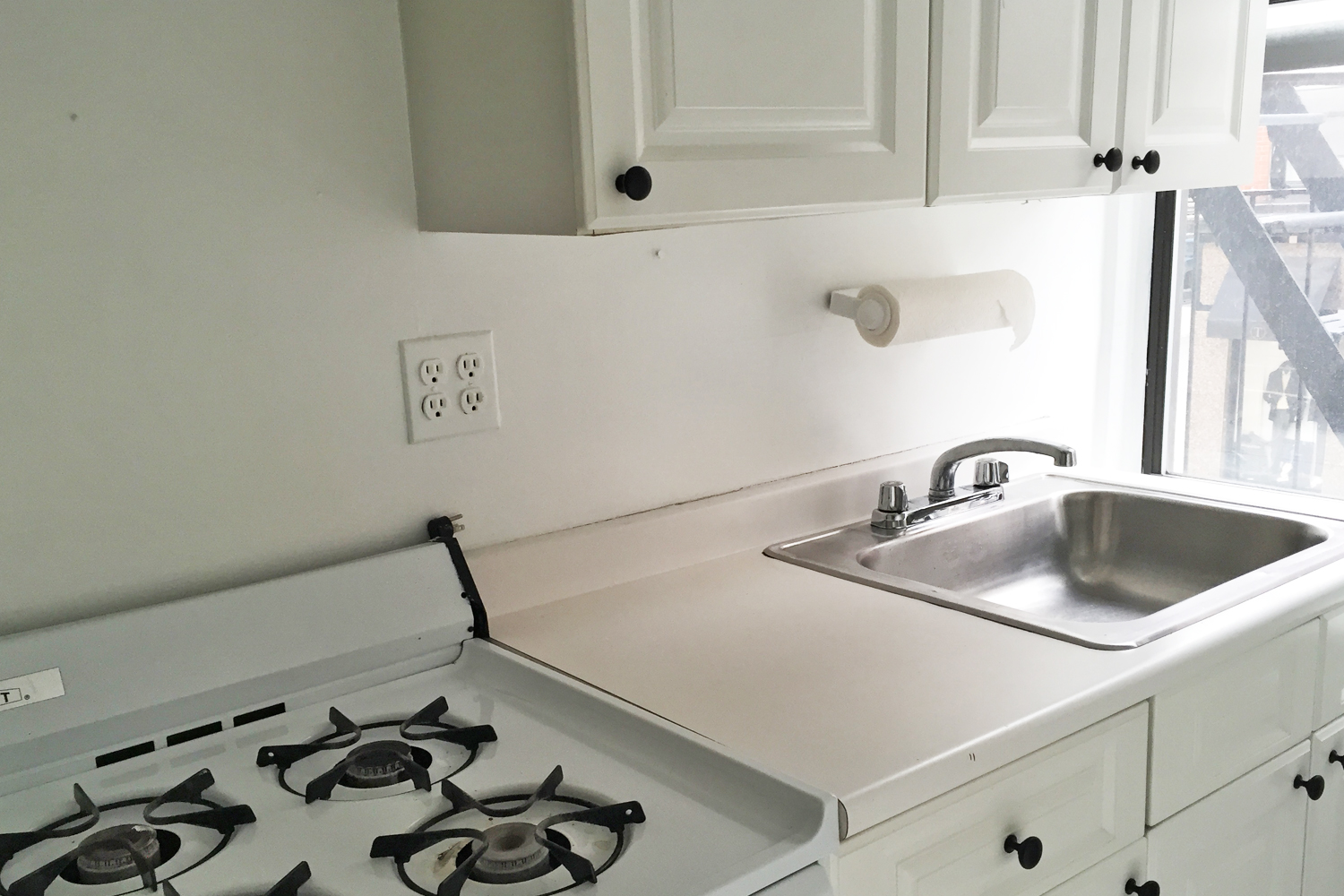 Before/After: These Subway Smart Tiles Are Peel & Stick And Will Elevate Your Rental Kitchen By A Million